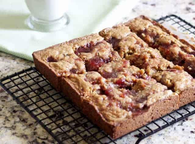 peanut butter jelly squares