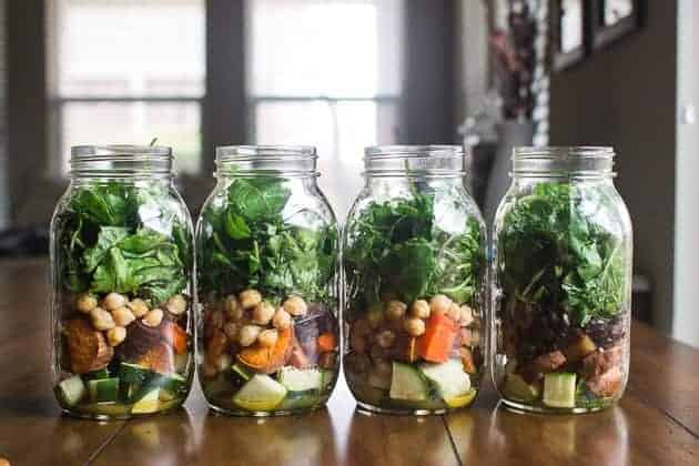 How to build the perfect mason jar salad